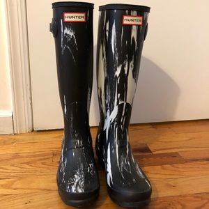 Size 7 Women's Hunter Boots. Never Worn.